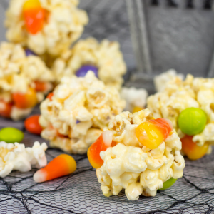 4 Ingredient Popcorn Balls, Halloween popcorn balls, Halloween treats, Halloween recipe, Halloween dessert, how to make popcorn balls, recipe with popcorn