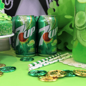 #JustAdd7UP, #ad, #cbias, spritzer, cupcakes, holiday, green, St Patty's Day food, St Patrick's Day, party