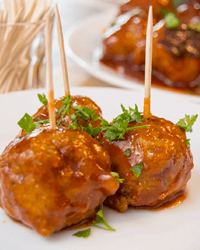 summer slow cooker recipes, sriracha honey turkey meatballs