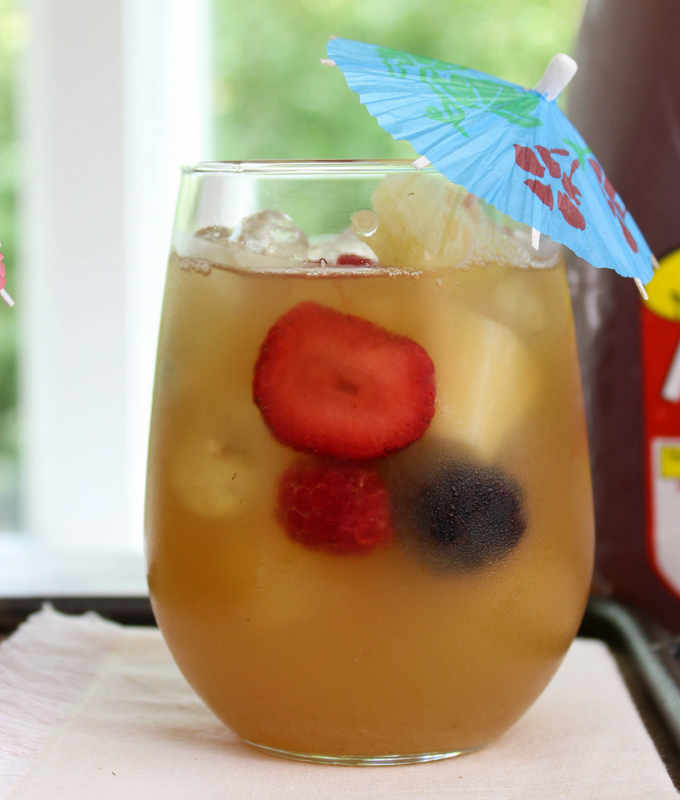 #ad, Summer Iced Tea Punch, punch for a crowd, #MakeitwithMilos, @drinkmilos, #Pmedia