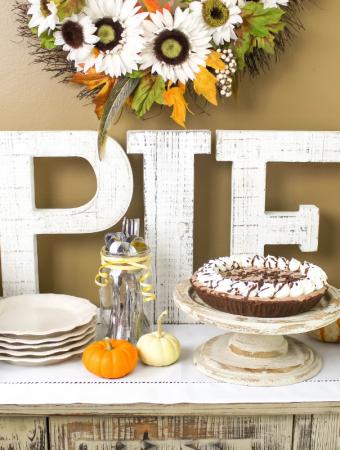 #ad, How to Create a Decadent Holiday Dessert Bar, #BringTheSweet #Edwards_Desserts , holiday pies, dessert ideas