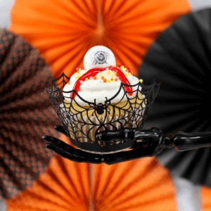 Halloween Bash {+ Eyeball Cupcakes Recipe}