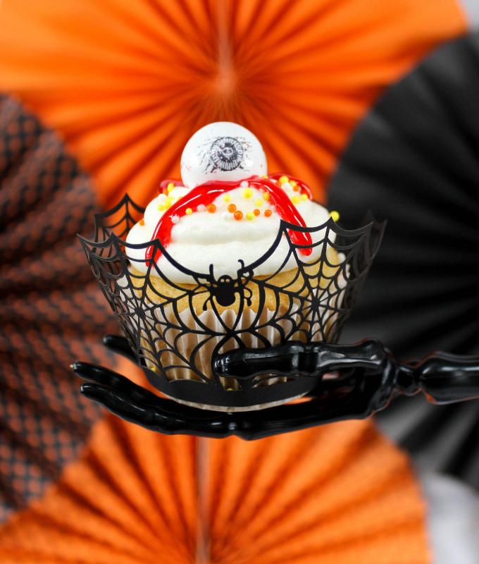 #ad, #FrighteninglyFunFlavors, Halloween Bash, Eyeball Cupcakes, Halloween party, Halloween recipes, Halloween Party, 7UP cupcakes, Sunkist floats, Shirley Temple, Spiderweb dip, 7 layer dip, Mummy hot dogs, Crockpot meatballs, slow cooker meatballs, Rootbeer meatballs