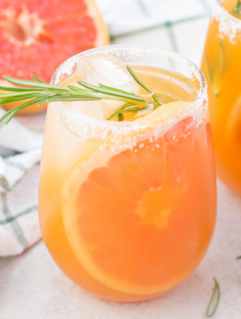 Salty Dog Cocktail, how to make a salty dog, greyhound cocktail, grapefruit cocktail, gin cocktail, vodka cocktail