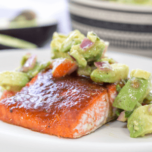 Salmon with Avocado Salsa, spicy salmon, baked salmon, avocado salsa, weeknight recipe, how to make salmon, salmon recipe