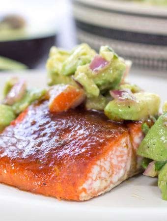 Salmon with Avocado Salsa, spicy salmon, baked salmon, avocado salsa, weeknight recipe, how to make salmon, salmon recipe