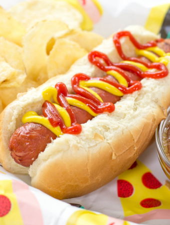 Air Fryer Hot Dogs, air fryer recipe, how to cook hot dogs in the air fryer, kid friendly recipe