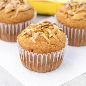 #ad Peanut Butter Banana Muffins, @BrawnyBrand® Tear-A-Square®, #PutASquareThere, back-to-school recipes, breakfast muffins, peanut butter recipe