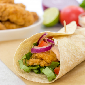 #ad Crispy Chicken Strip Wrap, lunch ideas, dinner ideas, quick weeknight meals, kid friendly recipe, sandwich recipe, snack wrap, #NowEvenCrispier #TysonCrispyChickenStrips #KrogerCrispyChicken