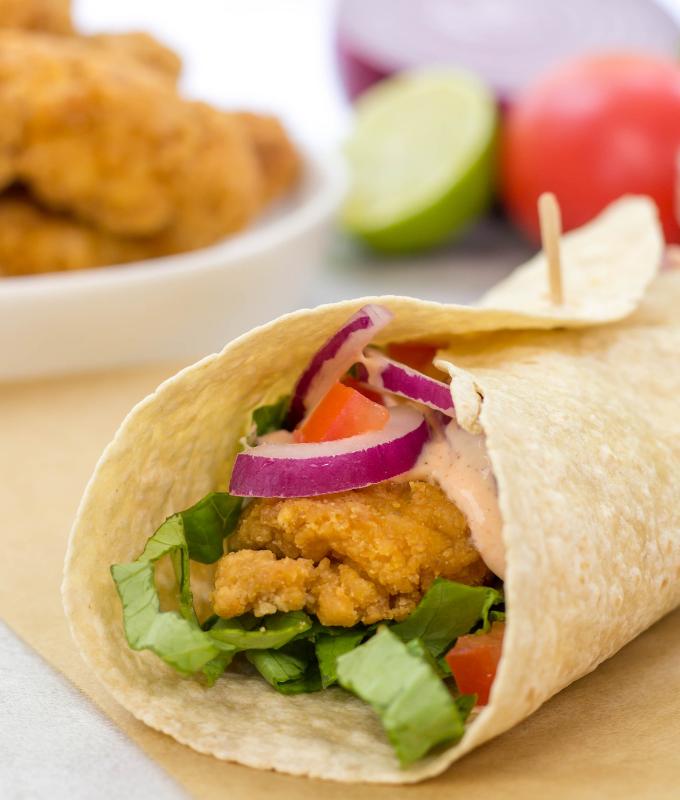 #ad Crispy Chicken Strip Wrap, lunch ideas, dinner ideas, quick weeknight meals, kid friendly recipe, sandwich recipe, snack wrap, #NowEvenCrispier #TysonCrispyChickenStrips #KrogerCrispyChicken
