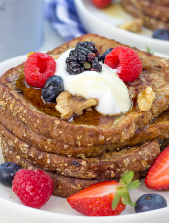 Lighter French Toast, Healthier French Toast, #ad, #ChooseMazola, french toast recipe, recipes with corn oil, brunch recipes, breakfast ideas, how to make french toast healthier, lighter french toast, french toast with fruit