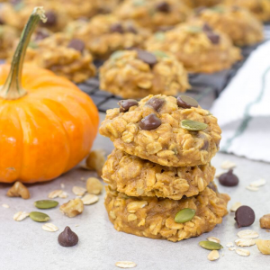 Pumpkin Oatmeal Cookies, pumpkin dessert, recipe with pumpkin puree, oatmeal cookies, fall recipes