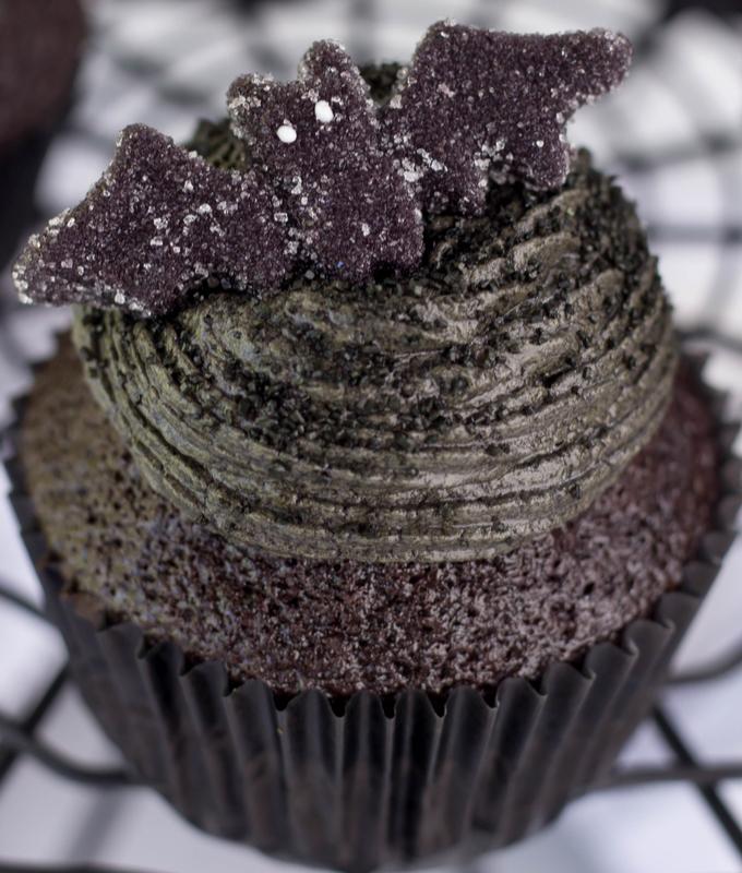 Black Velvet Halloween Cupcakes, black velvet cupcakes, Halloween dessert, cupcakes with cherry filling, Halloween recipe, Halloween party recipe, black cupcakes