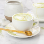 Matcha Tea Latte, health benefits of Matcha Tea Latte, matcha powder recipe, hwo to drink matcha powder, green tea latte, how to steam milk for a latte, healthy latte recipe