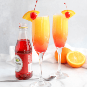 Sunrise Mimosa, ombre cocktail, brunch cocktail, how to make a mimosa, champagne, sparkling wine #brunch