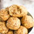 Almond Butter Energy Balls, protein balls, almond butter recipe, snack recipe, post workout snack, high protein recipe, no-bake snack, #almondbutter