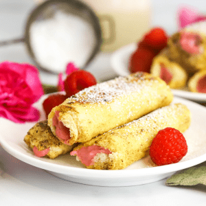 Raspberry French Toast Sticks, #ad, @saraleebread, #SaraLeeSummer, french toast recipe ideas, how to make a rolled up french toast, kid friendly breakfast recipe,