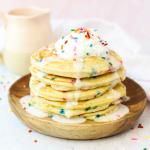 Confetti Pancakes, Funfetti Pancakes, pancakes with sprinkles, birthday pancakes, birthday recipe, birthday breakfast, pancakes with cake mix, kid approved breakfast recipe, #recipe #breakfast #birthdayrecipe