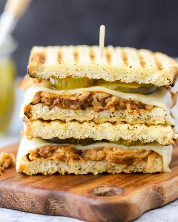 BBQ Chicken Panini Sandwiches, panini recipe, sandwich ideas, barbecue chicken recipe, what to make in my panini press, havarti cheese, Aldi recipe ideas, Aldi meal ideas, quick dinner, family dinner