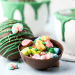 St Patrick's Day Hot Chocolate Bombs, hot cocoa bombs, how to make hot cocoa bombs, st patricks day recipes, kid friendly st patricks day ideas, rainbow hot chocolate, lucky charms hot chocolate, snow day recipe